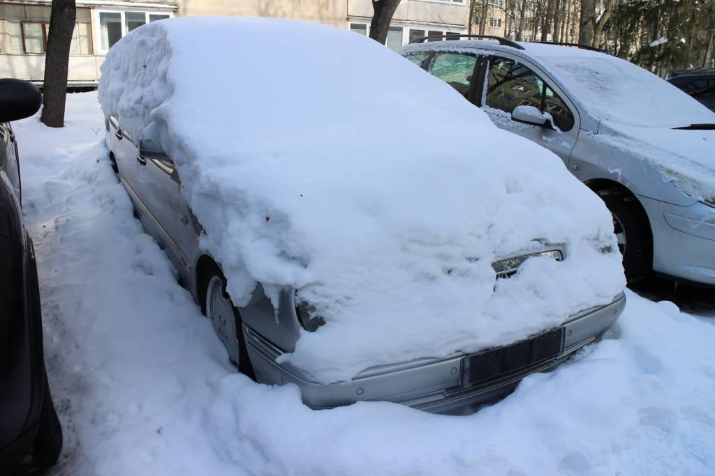 Apleistų automobilių savininkams gresia baudos