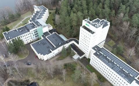Abromiškių reabilitacijos ligoninėje jau veikia saulės fotovoltinė elektrinė