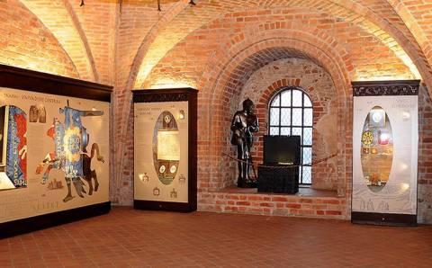 Populiariajame Trakų Pusiasalio pilies muziejuje saugoma ir nemažai Elektrėnų savivaldybės istorijos