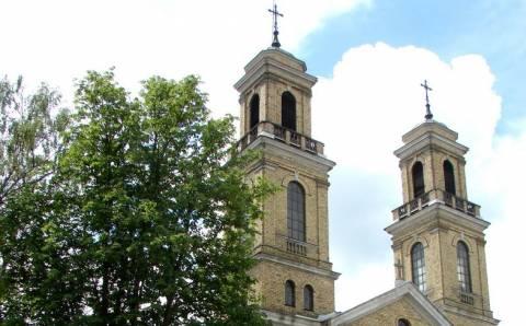 Vievio Šv. Onos bažnyčios iškilios asmenybės bei meno kūriniai