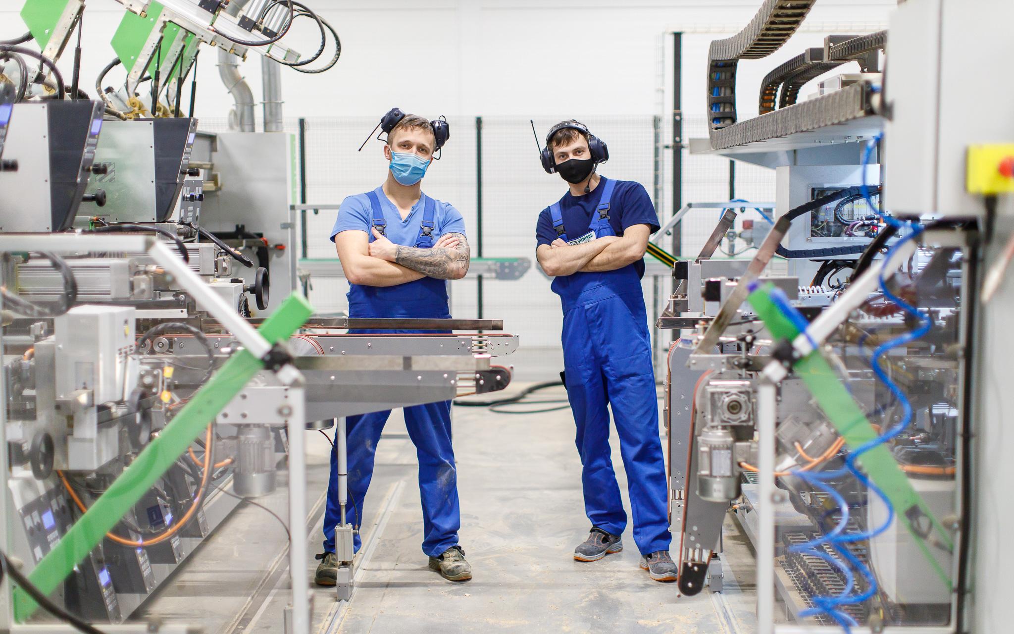 Karjera nuo nulio baldų gamybos sektoriuje: pasirūpina ir mokymais, ir transportu į darbą