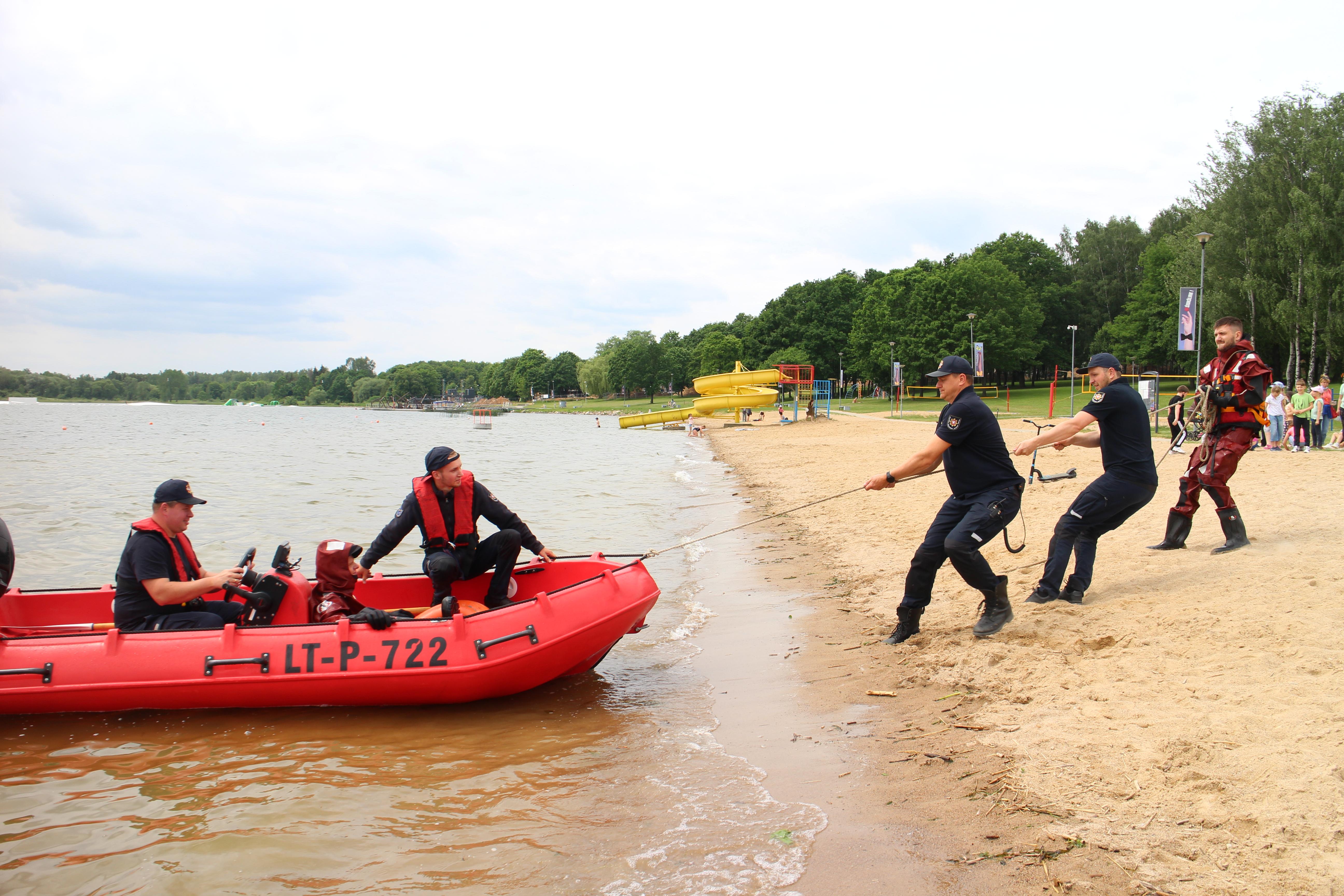 Paplūdimyje darbavosi ugniagesiai gelbėtojai