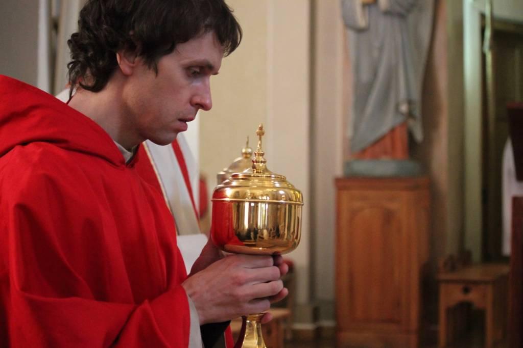 Pažintis su Vievio Šv. Onos bažnyčios vikaru Povilu Tekoriumi bei bažnyčioje saugomais meno kūriniais