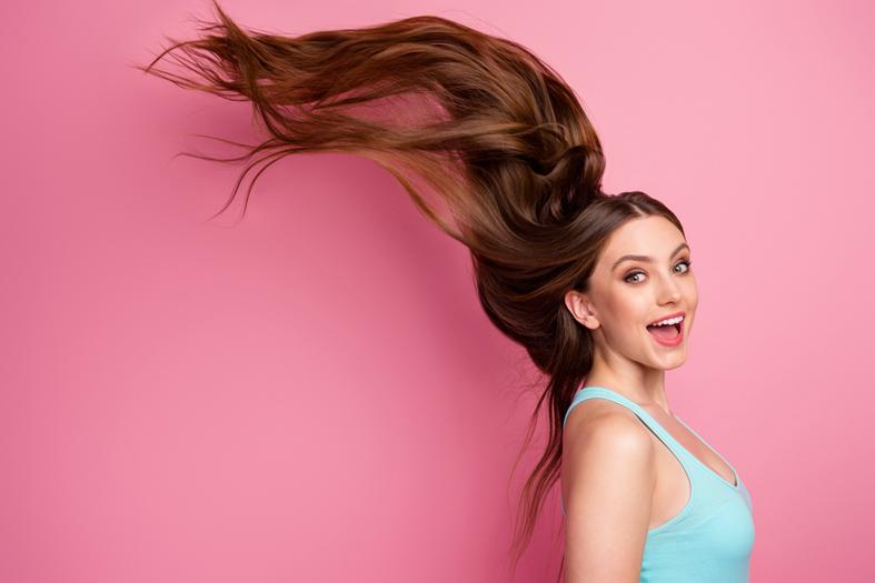 Keratinas plaukams ir odai: kokius produktus rinktis?