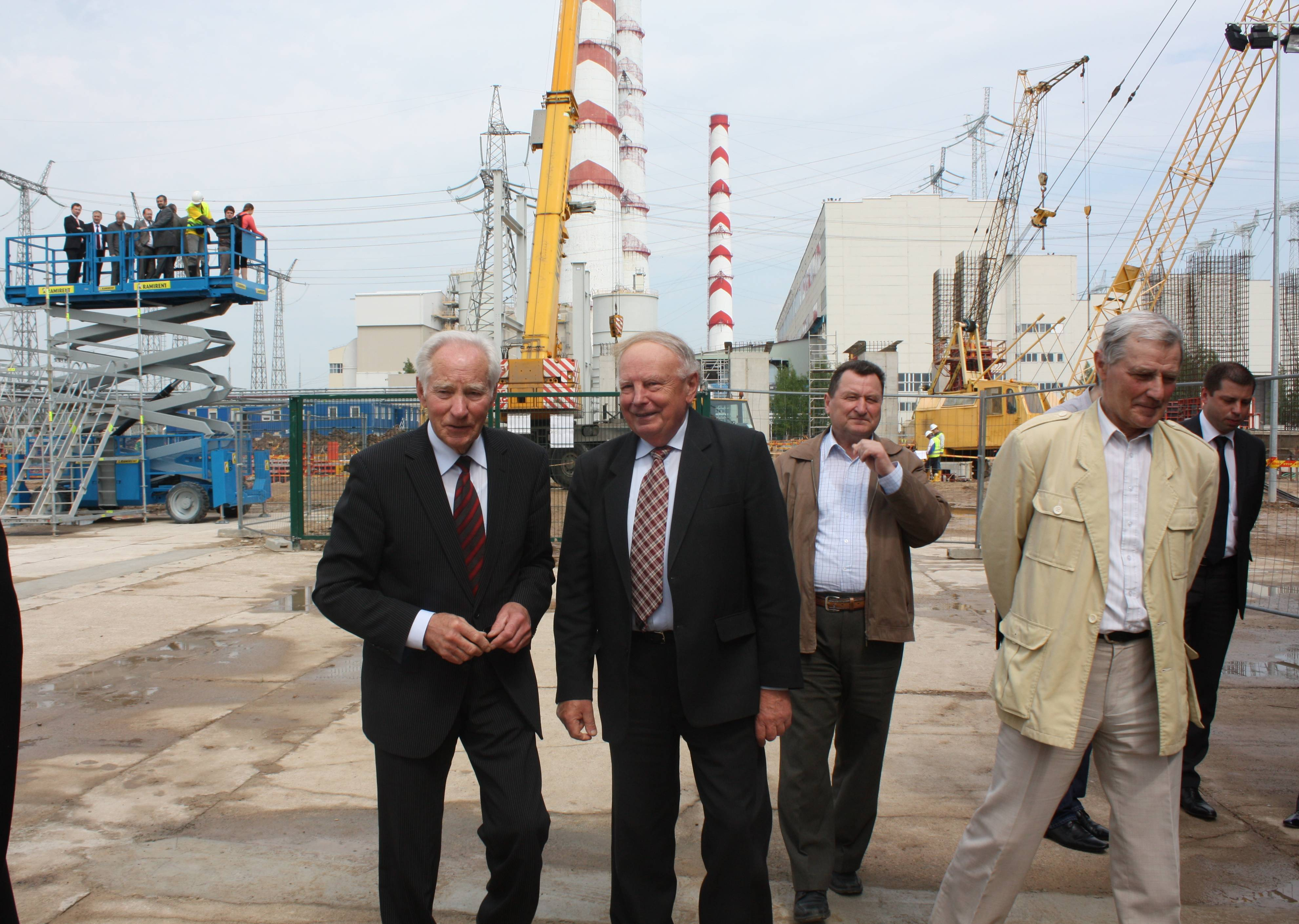 Elektrėnų įkūrėjo, ilgamečio Lietuvos elektrinės direktoriaus, Elektrėnų garbės piliečio Prano Noreikos sveikinimas visiems savivaldybės gyventojams ir atskirai energetikams