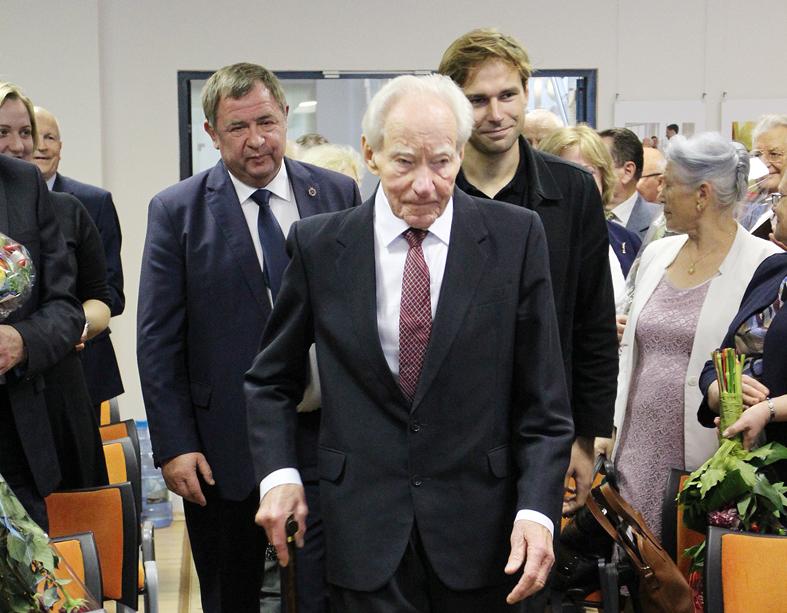 Elektrėniškiai atsisveikino su miesto įkūrėju ir Elektrėnų garbės piliečiu Pranu Noreika